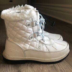 BearPaw waterproof boots. Size 5